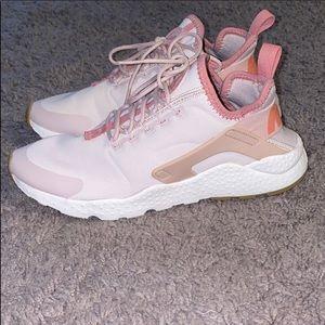 Women's Nike air huarache
